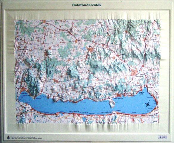 balaton domborzati térkép Balaton felvidék domború térkép (keretezett)   A Lurdy Ház  balaton domborzati térkép