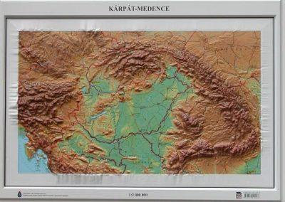 Kárpát-medence domború térkép - A Lurdy Ház Térképbolt,Tel:4